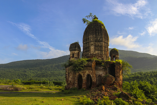 Pancharatna Temple at Garpanchkot