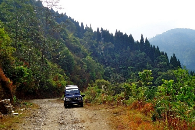 Way to Kolakham & Changey Falls